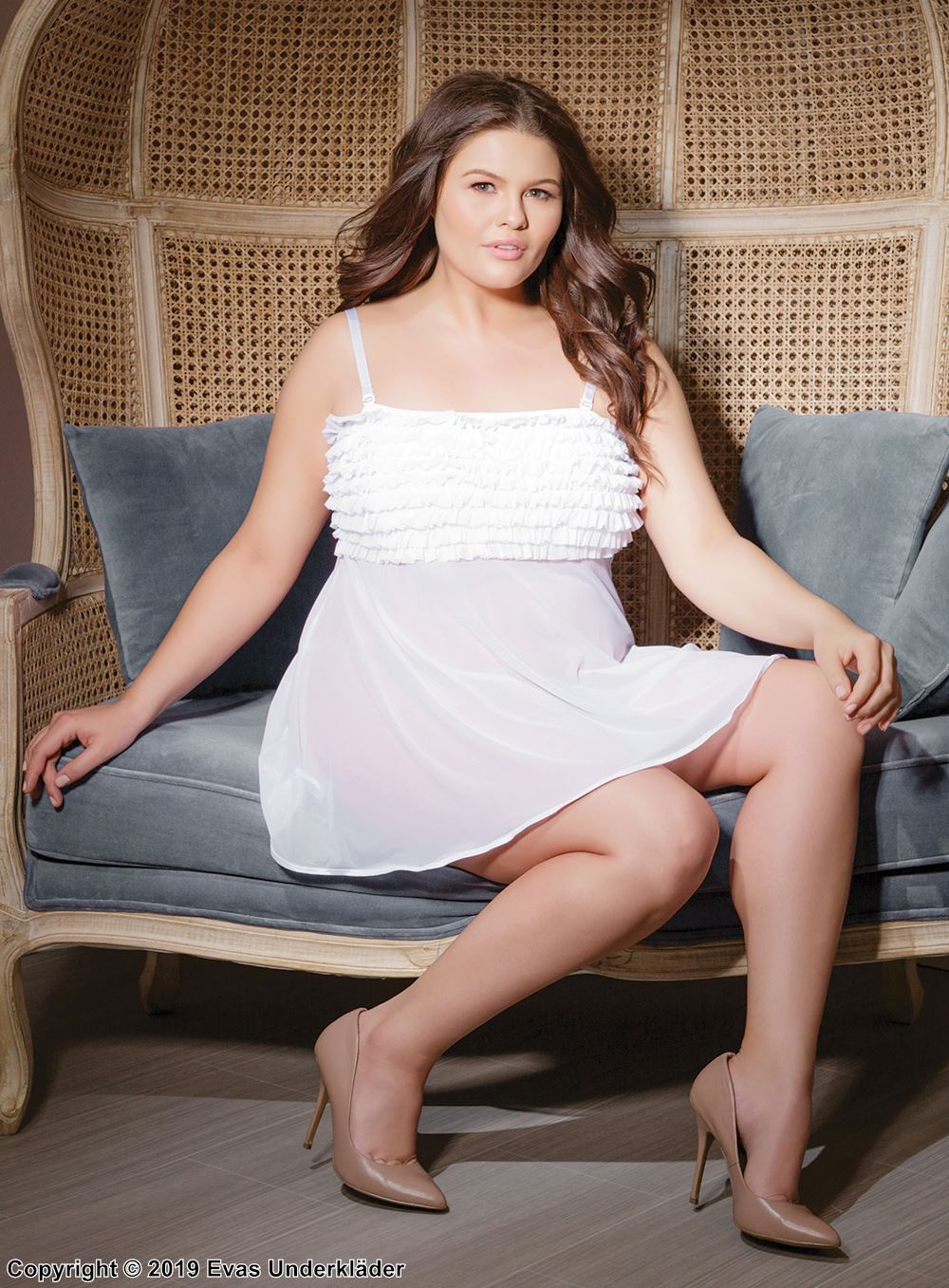 Babydoll med volangprydd byst, plus size